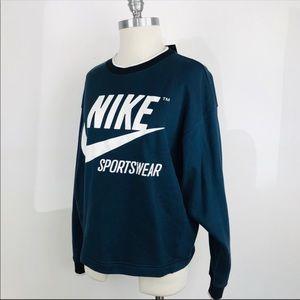 Nike sportswear crewneck size small
